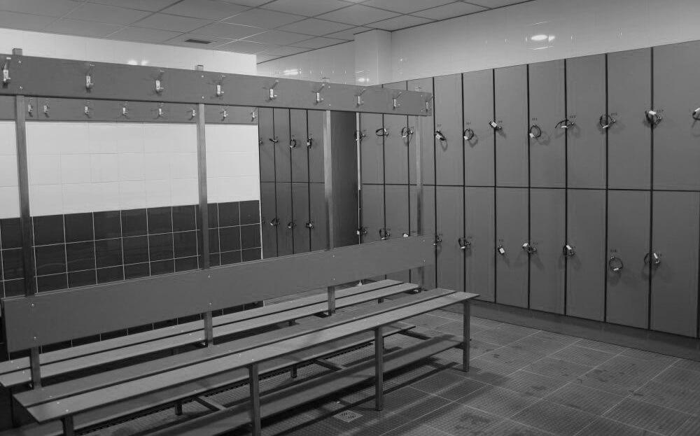 casiers vestiaires et banc pour salle de musculation et collectivit s. Black Bedroom Furniture Sets. Home Design Ideas